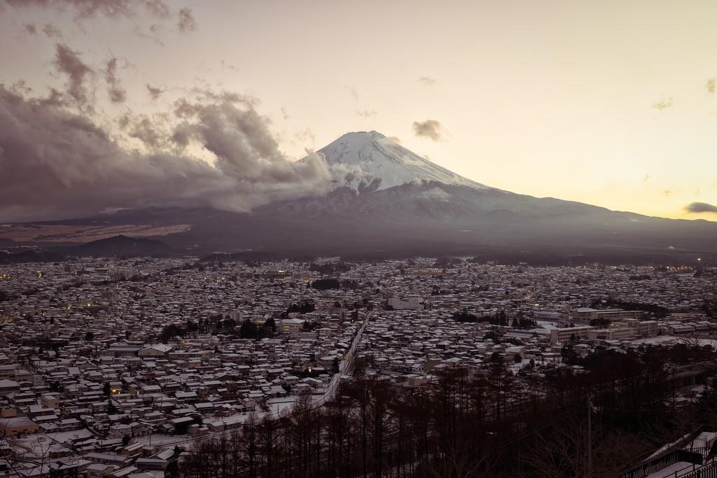 My Town Looks Good in Snow. De Yuga Kurita