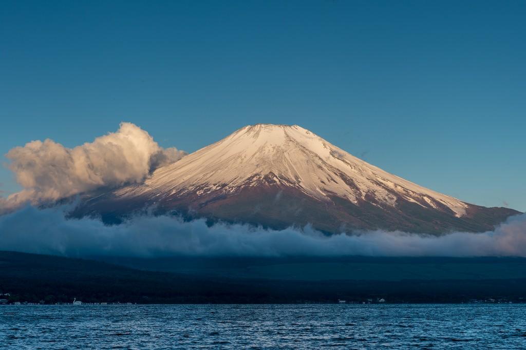 Morning sun shines Fuji. Foto de Shinichiro Saka