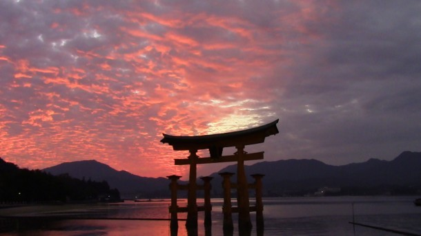 ピンクに染まる空と海. Foto de Shizuka