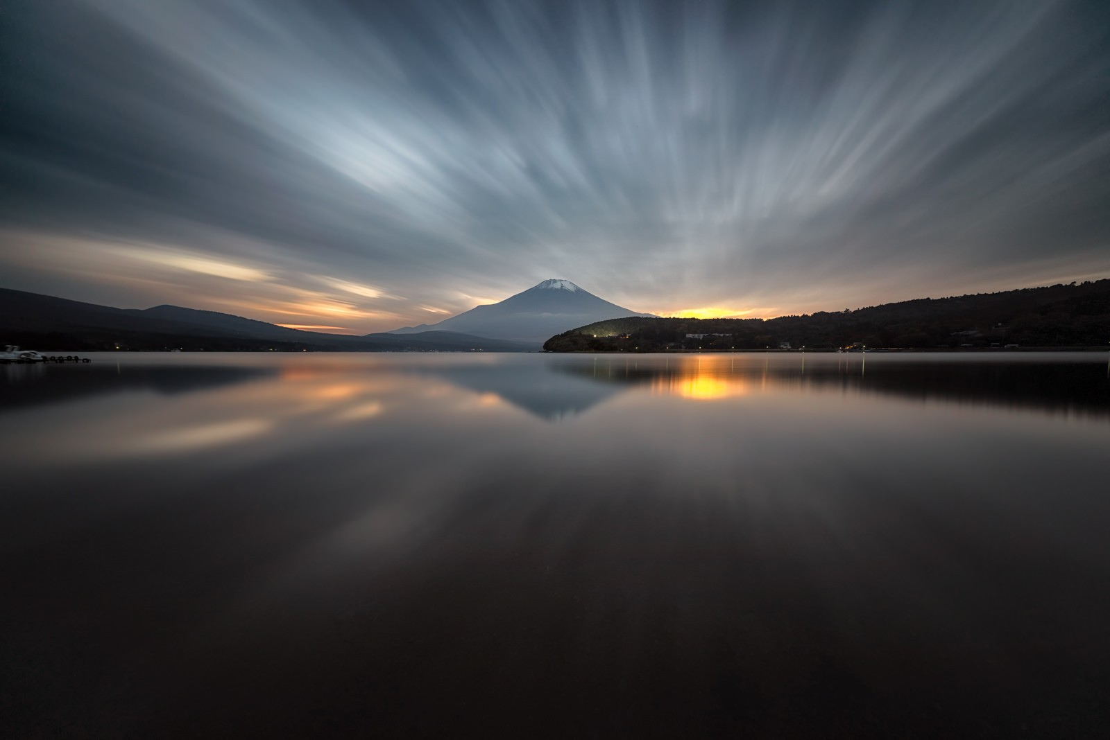 273 Seconds at Lake Yamanaka. Foto de Yuga Kurita