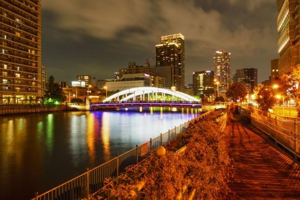 A beautiful bridge at Osaka. Foto de Jianwei Hou