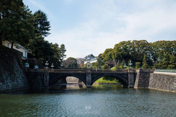 El puente Nijubashi