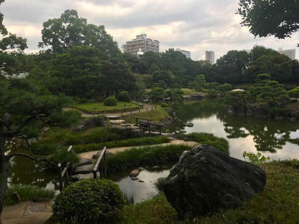 Entrada a los jardines Kiyosumi