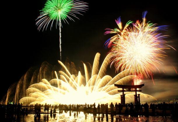 Miyajima Fireworks Foto de Sue Ann Simon